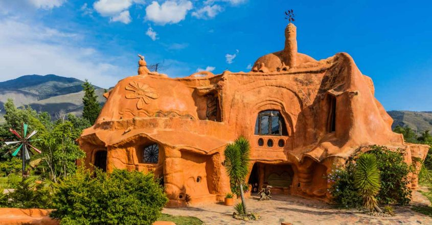 Casa-Terracota-Clay-House-in-Colombia