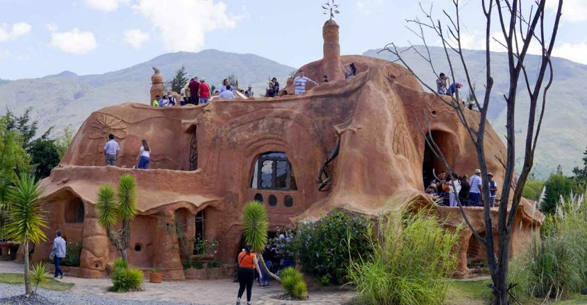 Casa-Terracota-Clay-House-in-Colombia1