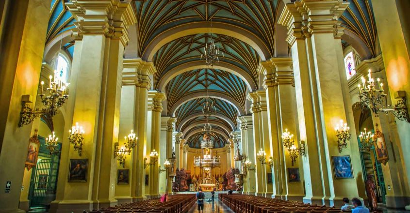 2-Cathedral-Basilica-of-Lima